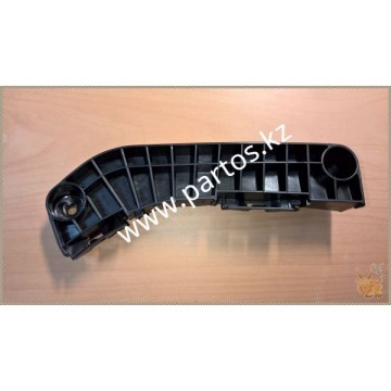 The front bumper bracket (RH), Camry 40 2007-on
