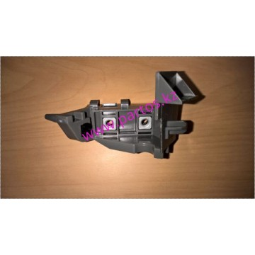 The front bumper bracket (RH), Rav 4 2000-2005