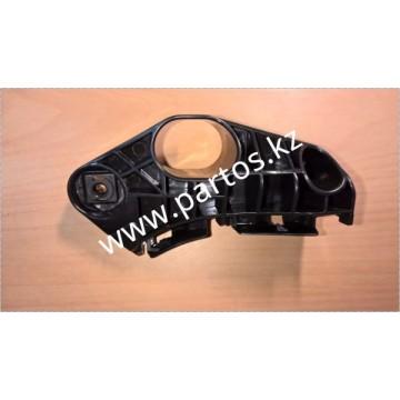 Кронштейн переднего бампера(RH), GS 300 2005-2011 ( кузов 190)