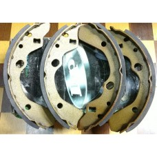 Тормозные колодки (RR), Mazda 323